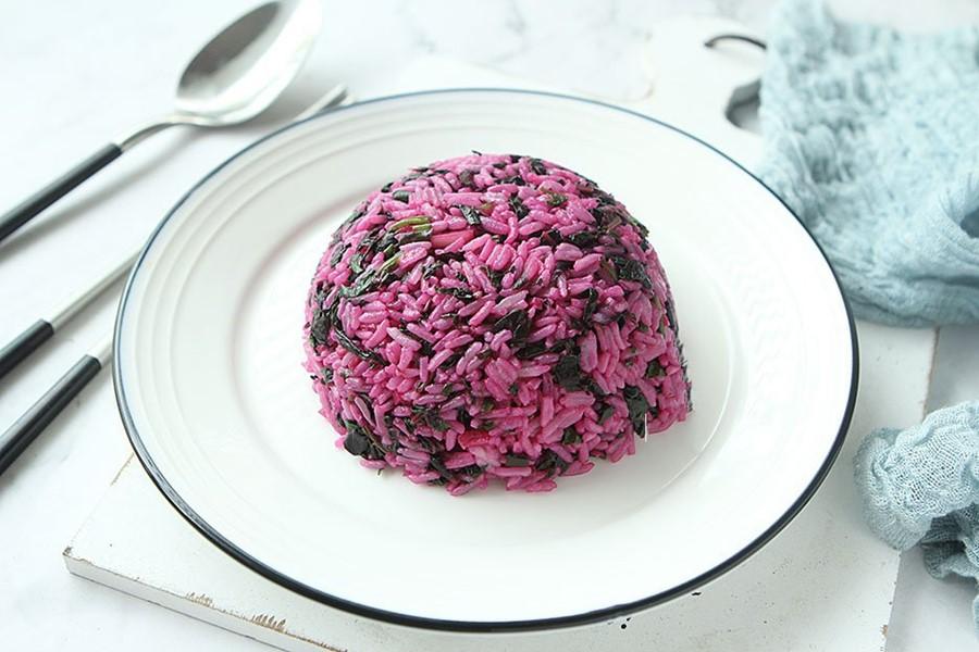 Tháng Vu Lan ăn chay, tôi làm món cơm chiên màu tím mang đi làm ăn trưa mà các chị trong công ty ai cũng làm theo! - Ảnh 6.