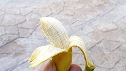 Những nông dân xui xẻo nhất hành tinh: Tốn thời gian và công sức nuôi trồng cây trái, đến lúc thu hoạch còn không đủ nhét kẽ răng!
