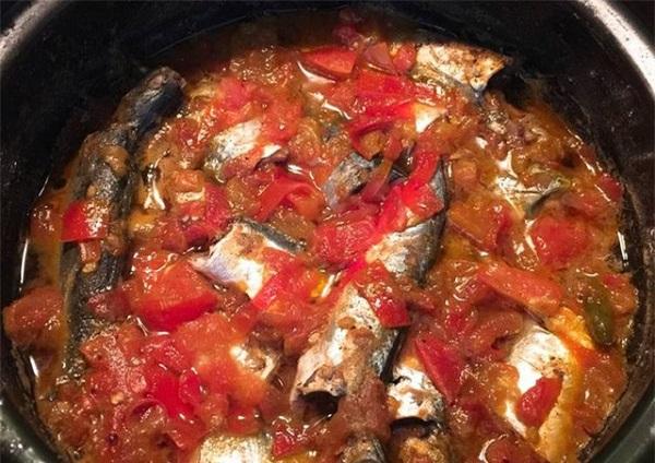 Cá nục đem kho với nước của quả này hết mùi tanh, ngon không tưởng - Ảnh 2.