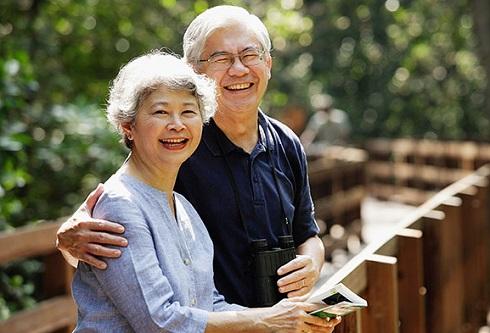 Người ở tuổi 50 nắm chắc 4 điều này trong tay, nửa đời còn lại sẽ ung dung tự tại, gia đình ngày càng viên mãn - Ảnh 3.