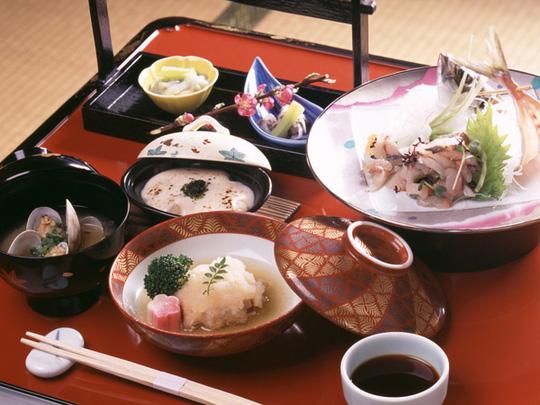Tại sao người Nhật ăn nhiều bữa,