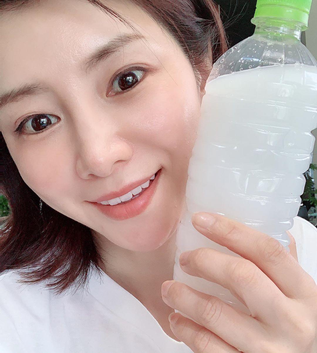 Rửa mặt theo cách của phụ nữ Nhật, Thiều Bảo Trang khoe thành quả da căng mịn, trắng như phát sáng ở tuổi 29 - Ảnh 9.