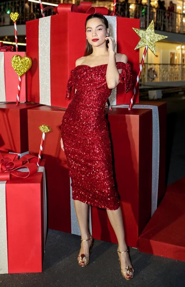 Sao Việt mở tiệc sinh nhật xa hoa nhất Vbiz: Hà Hồ - Lý Nhã Kỳ như tổ chức lễ trao giải, Ngọc Trinh khiến dân tình xịt máu mũi - Ảnh 15.