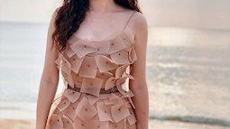 12 bộ váy áo đẹp nhất của sao Vbiz khi dự đám cưới: Đến Ngọc Trinh cũng không dám hở bạo mà nhường sân cho chị gái tỏa sáng