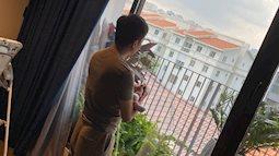 Hình ảnh Cường Đô La mặc quần đùi ở nhà dỗ bé Suchin nhìn cực kỳ ngọt ngào