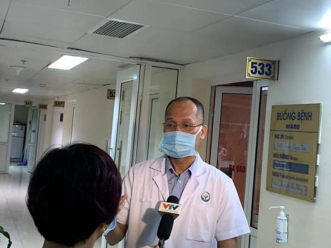 BV Việt Đức: Cấp cứu khẩn cứu đôi mắt cho bệnh nhân bị mù ngay sau khi tiêm filler tại spa - Ảnh 1.
