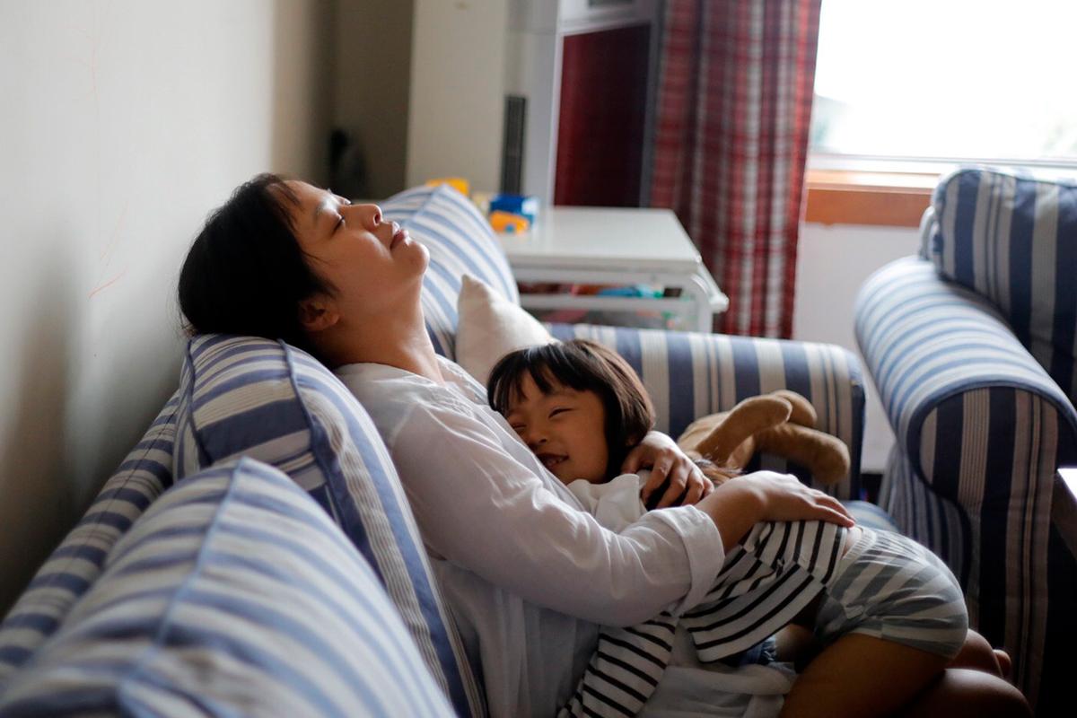 Những thói quen tài chính cần học khi bạn là các ông bố, bà mẹ đơn thân - Ảnh 2.