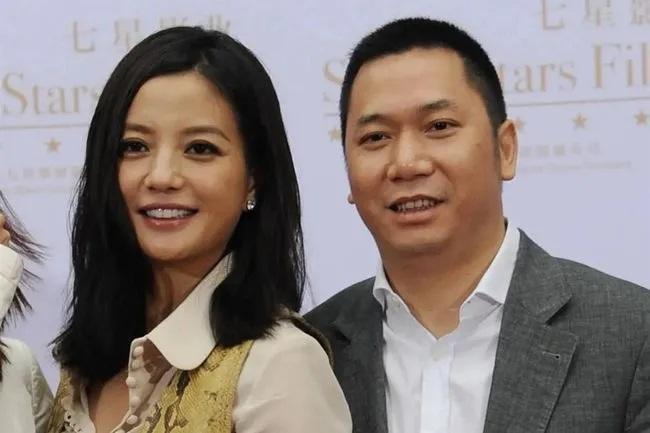 """Hôn nhân giữa Triệu Vy và chồng đã kết thúc bằng một bản """"thỏa thuận ngầm"""", chính Huỳnh Hữu Long là người tiết lộ chuyện vợ sống chung với trai trẻ? - Ảnh 5."""