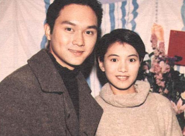 Chuyện tình đẹp giữa Viên Vịnh Nghi và Trương Trí Lâm: 27 năm bên nhau vẫn ngày ngày nắm tay cùng đi mua sắm, 12 năm che giấu sự nổi tiếng của mình với con trai - Ảnh 2.