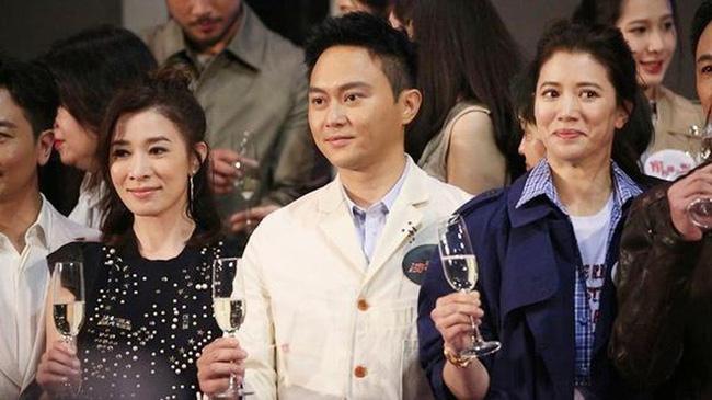 Chuyện tình đẹp giữa Viên Vịnh Nghi và Trương Trí Lâm: 27 năm bên nhau vẫn ngày ngày nắm tay cùng đi mua sắm, 12 năm che giấu sự nổi tiếng của mình với con trai - Ảnh 11.
