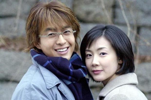 Phim rating kỷ lục giúp cả dàn sao đổi đời: Bae Yong Joon, Choi Ji Woo hóa ông hoàng bà chúa, Song Hye Kyo chưa thị phi bằng Á hậu tù tội - Ảnh 21.