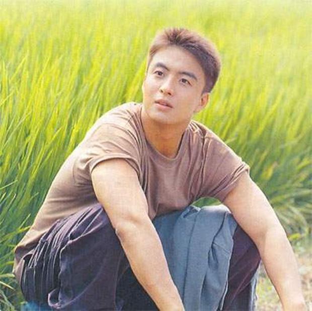 Phim rating kỷ lục giúp cả dàn sao đổi đời: Bae Yong Joon, Choi Ji Woo hóa ông hoàng bà chúa, Song Hye Kyo chưa thị phi bằng Á hậu tù tội - Ảnh 14.