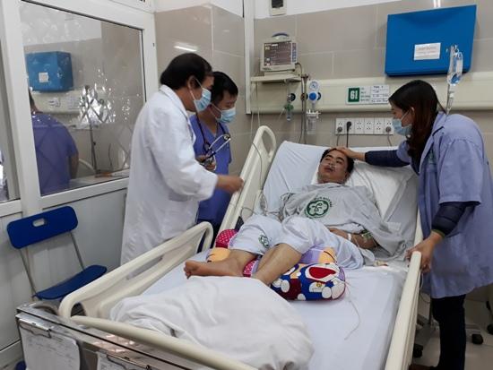 Bệnh nhân ngừng tuần hoàn thoát chết trong gang tấc ở Bệnh viện 108: Quy tắc ABC và 3 phút VÀNG cấp cứu - Ảnh 1.