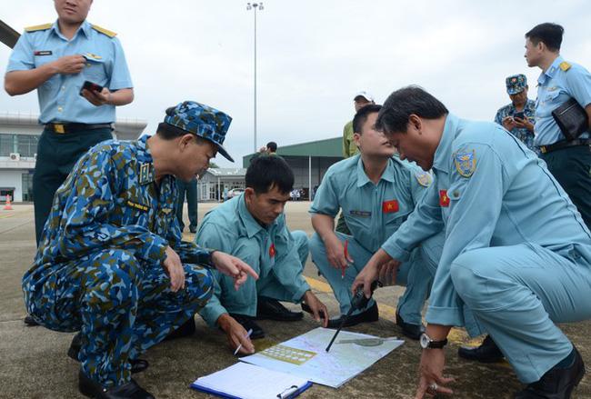 Xót xa hình ảnh nơi đội cứu hộ thủy điện Rào Trăng 3 gặp nạn: Không còn gì ngoài đất đá, tiếng gọi