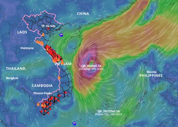 Đang ngập tứ bề, miền Trung lại sắp đón bão có cường độ kinh khủng? - Ảnh 1.