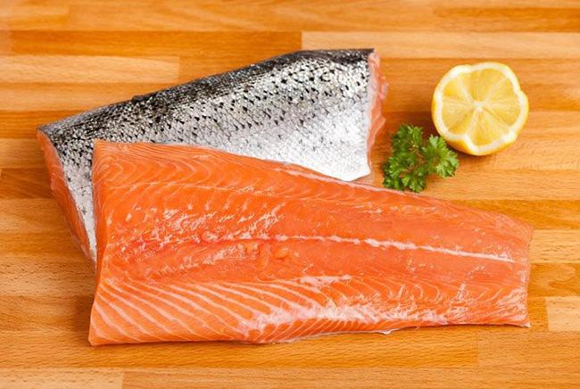 Điểm danh 3 sai lầm trong quá trình chế biến cá hồi có thể khiến chị em