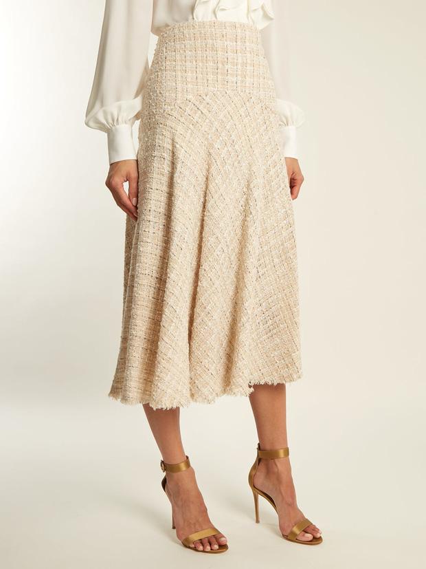 Đến cả đôi chân cột đình cũng thon gọn nhẹ nhàng nhờ 5 kiểu chân váy độc quyền cho ngày lạnh - Ảnh 18.