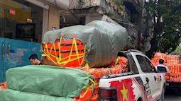 """Hà Nội: Áo phao cứu sinh cháy hàng, khách muốn đặt mua số lượng lớn phải xếp hàng đợi vài ngày, giá cả bắt đầu """"loạn"""""""