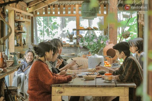 """Đà Lạt có 4 quán cafe theo phong cách """"chill phết"""" cực hiếm người biết: Nằm biệt lập giữa rừng thông, đứng góc nào sống ảo cũng đẹp - Ảnh 4."""
