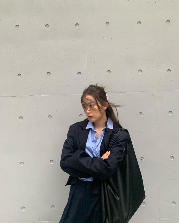 """Bắt chước sao Hàn sắm 4 items sau, style mùa lạnh của bạn sẽ """"lên như diều gặp gió"""" - Ảnh 6."""