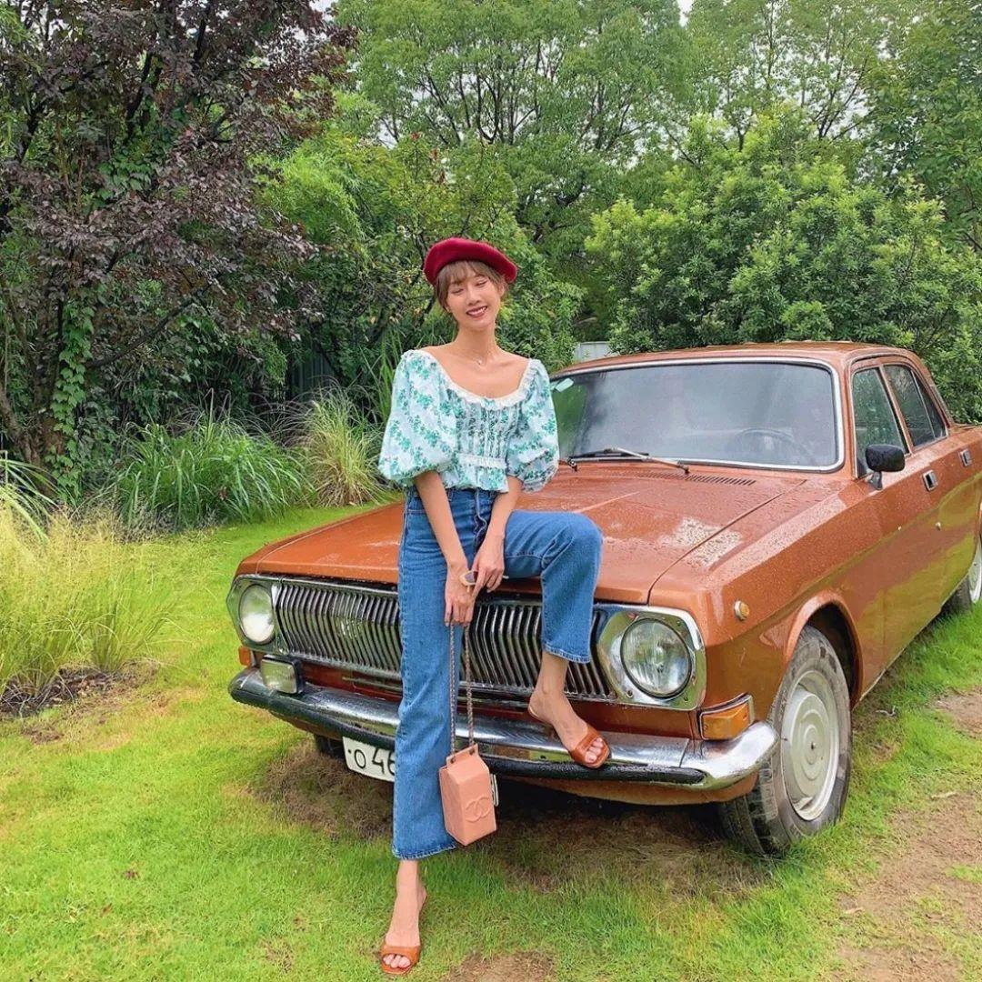Áo blouse + quần jeans: Combo giúp nàng công sở trông sang như gái Pháp trong ngày Thu - Ảnh 2.