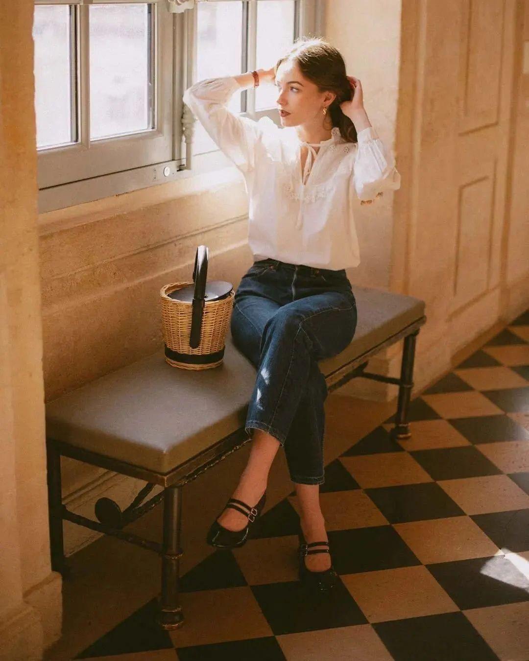 Áo blouse + quần jeans: Combo giúp nàng công sở trông sang như gái Pháp trong ngày Thu - Ảnh 13.