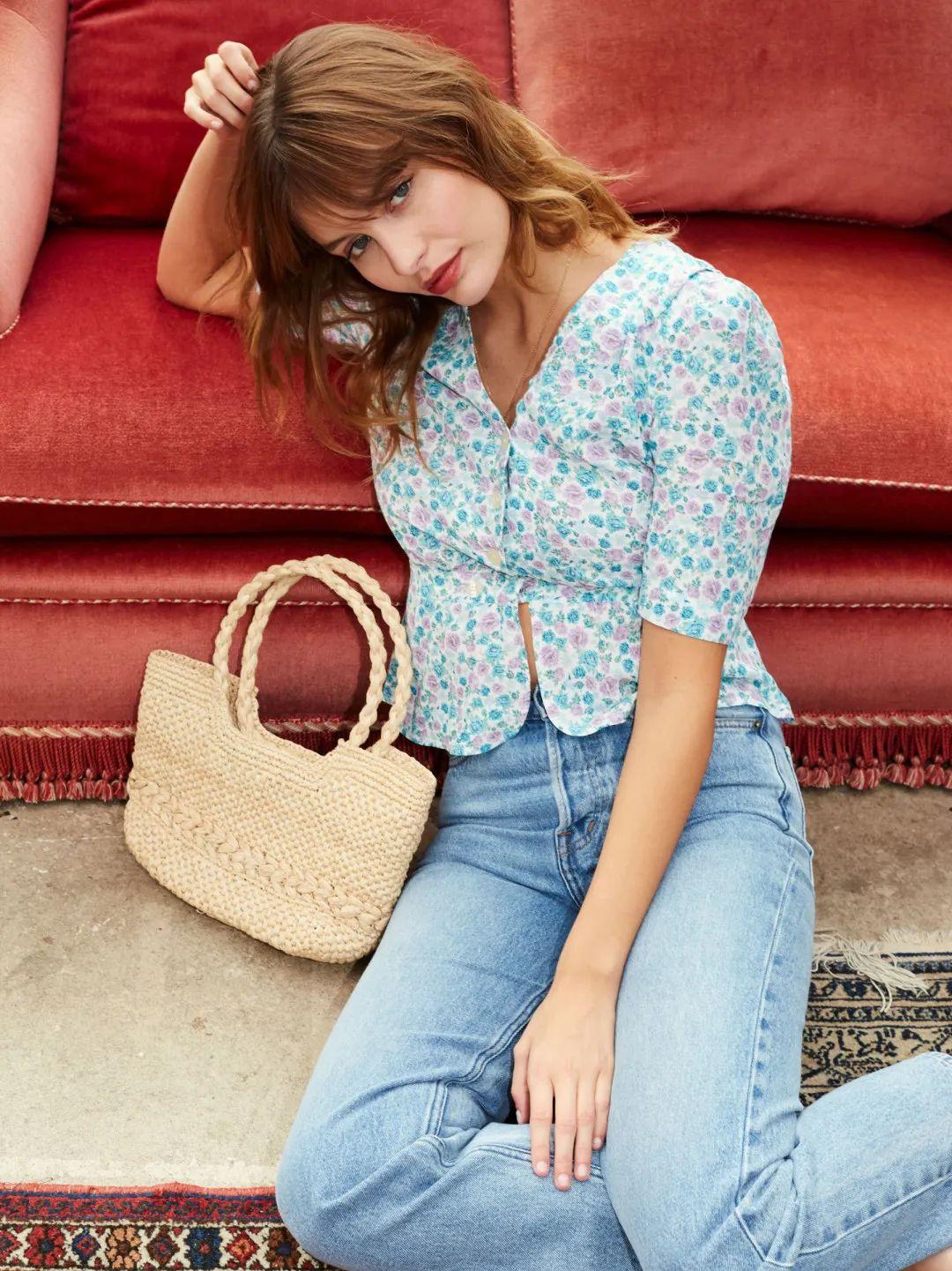 Áo blouse + quần jeans: Combo giúp nàng công sở trông sang như gái Pháp trong ngày Thu - Ảnh 5.