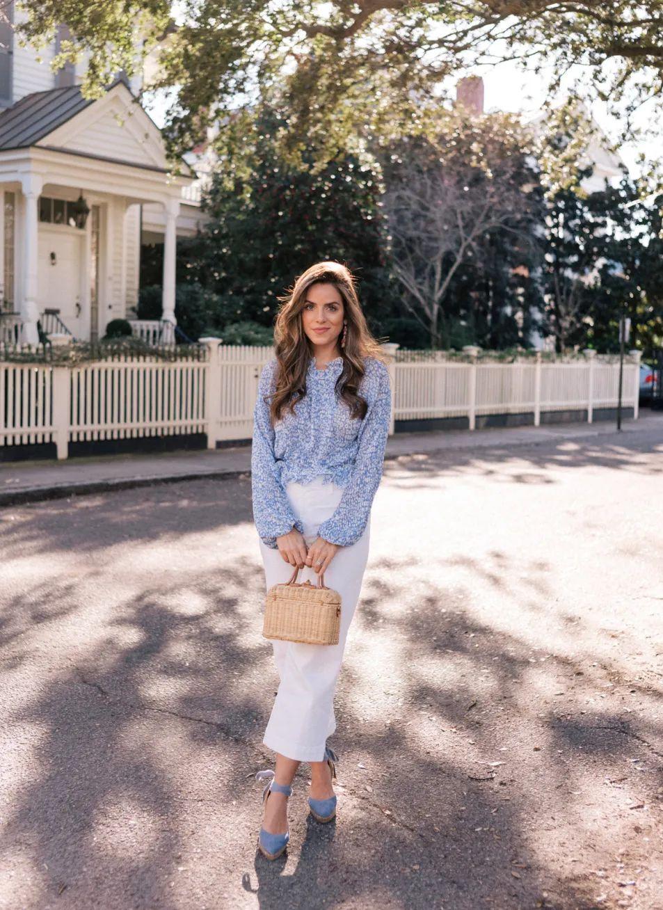 Áo blouse + quần jeans: Combo giúp nàng công sở trông sang như gái Pháp trong ngày Thu - Ảnh 6.