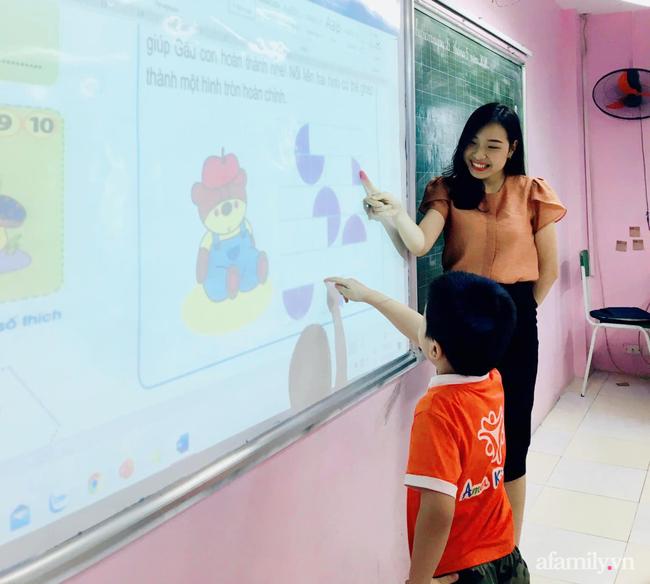Cô giáo lớp 1 tại Hà Nội tiết lộ kinh nghiệm dạy con học bài ở nhà mà không bị căng thẳng, hóa ra lâu nay rất nhiều người dạy sai cách - Ảnh 1.