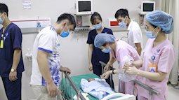 Hành trình vượt gần 600km băng rừng cấp cứu, giành giật sự sống cho em bé 7 ngày tuổi bị tim bẩm sinh, suy hô hấp
