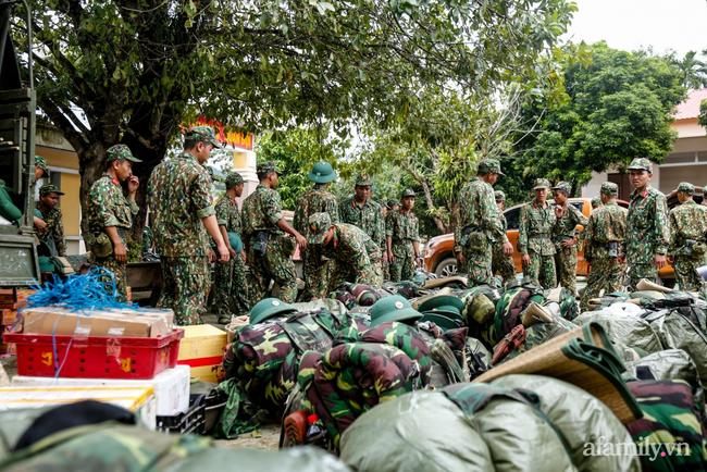Lại thêm vụ sạt lở đất ở Quảng Nam khiến 11 người mất tích, đã tìm được 3 thi thể - Ảnh 1.