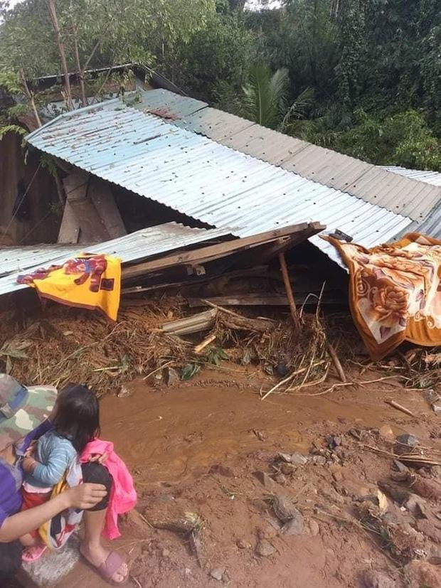 Hiện trường vụ sạt lở ở Phước Sơn, Quảng Nam khiến 11 người mất tích - Ảnh 2.