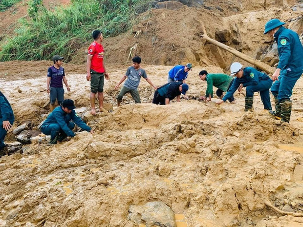 Hiện trường vụ sạt lở ở Phước Sơn, Quảng Nam khiến 11 người mất tích - Ảnh 3.