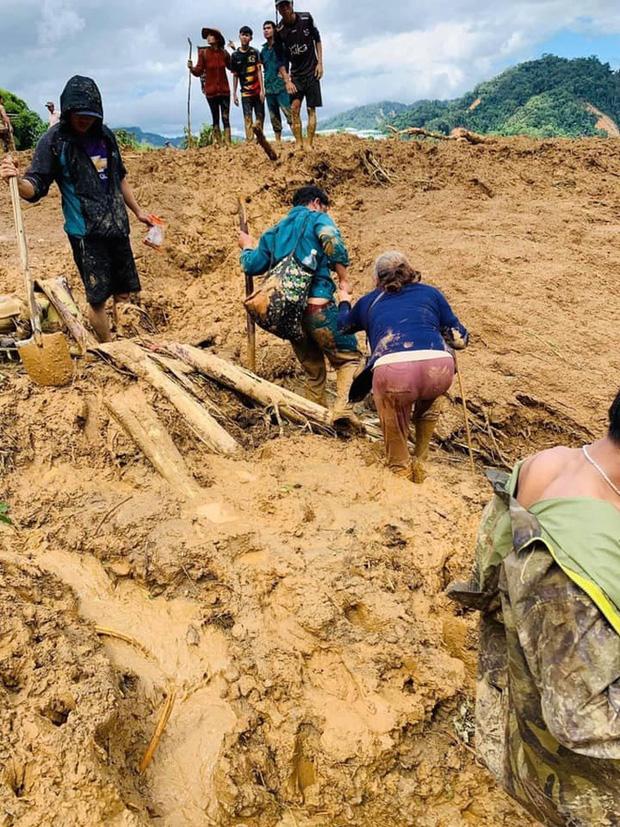 Hiện trường vụ sạt lở ở Phước Sơn, Quảng Nam khiến 11 người mất tích - Ảnh 5.