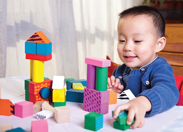 """Đồ chơi trẻ em nhiễm độc chì: Tương lai """"xám"""" từ những sắc màu - Ảnh 1."""