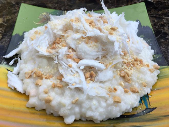 """Dân mạng bồi hồi nhớ về chiếc muỗng """"huyền thoại"""" của làng ẩm thực Việt, trông cực lạ lẫm nhưng cứ ăn món này là không thể thiếu - Ảnh 1."""