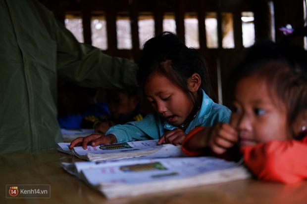 1345 km nhớ thương của cậu học trò nghèo miền núi trở thành thầy giáo trẻ được vinh danh: Suốt 4 năm chỉ về thăm mẹ được 2 lần - Ảnh 3.