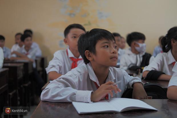 1345 km nhớ thương của cậu học trò nghèo miền núi trở thành thầy giáo trẻ được vinh danh: Suốt 4 năm chỉ về thăm mẹ được 2 lần - Ảnh 6.