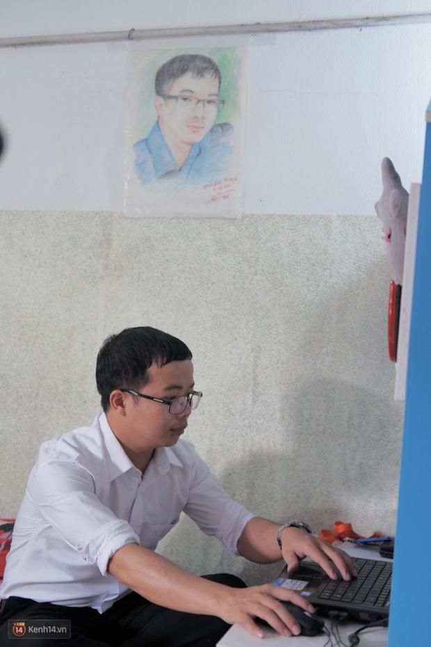 1345 km nhớ thương của cậu học trò nghèo miền núi trở thành thầy giáo trẻ được vinh danh: Suốt 4 năm chỉ về thăm mẹ được 2 lần - Ảnh 7.