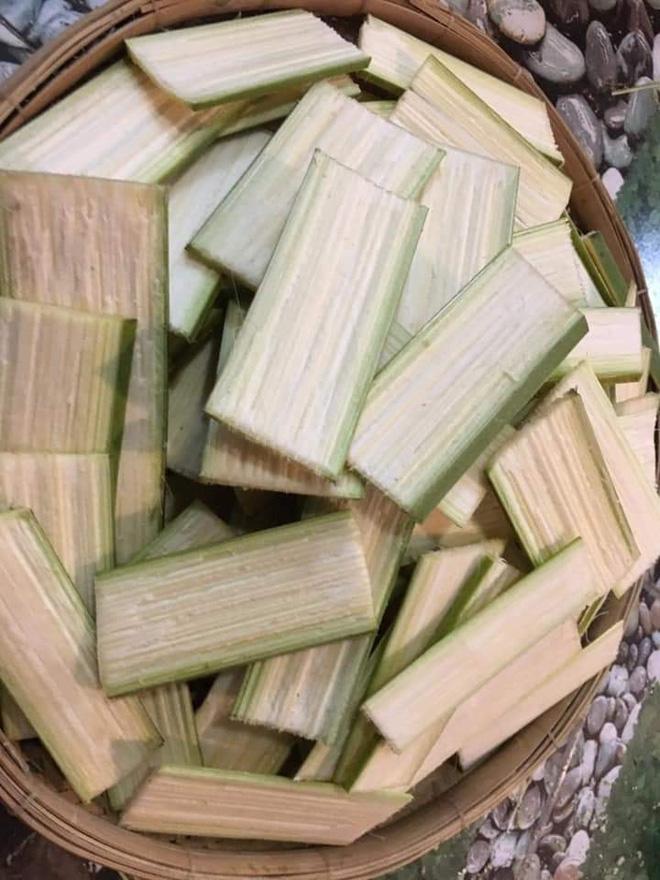 """Dân mạng bồi hồi nhớ về chiếc muỗng """"huyền thoại"""" của làng ẩm thực Việt, trông cực lạ lẫm nhưng cứ ăn món này là không thể thiếu - Ảnh 7."""