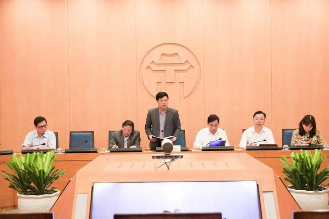 Hà Nội: Tăng cường hàng loạt biện pháp kiểm soát y tế bên ngoài công cộng - Ảnh 1.