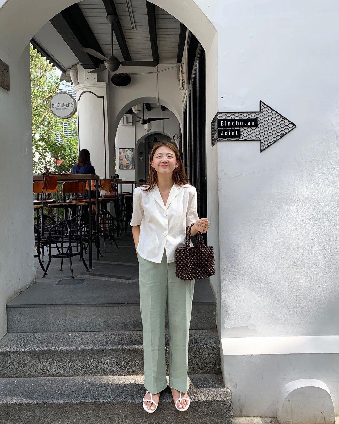 Hội con gái Hàn hay mix quần ống suông với 3 kiểu áo này để ghi điểm sành điệu và sang xịn nhất - Ảnh 13.