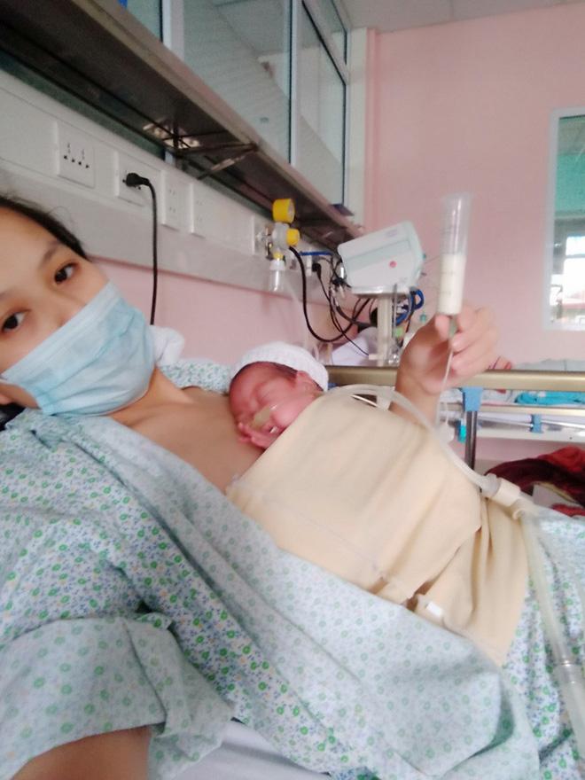 Hành trình kỳ diệu nuôi sống bé sinh non nhẹ cân nhất Việt Nam từ 480 gr lên 2,1 kg - Ảnh 1.