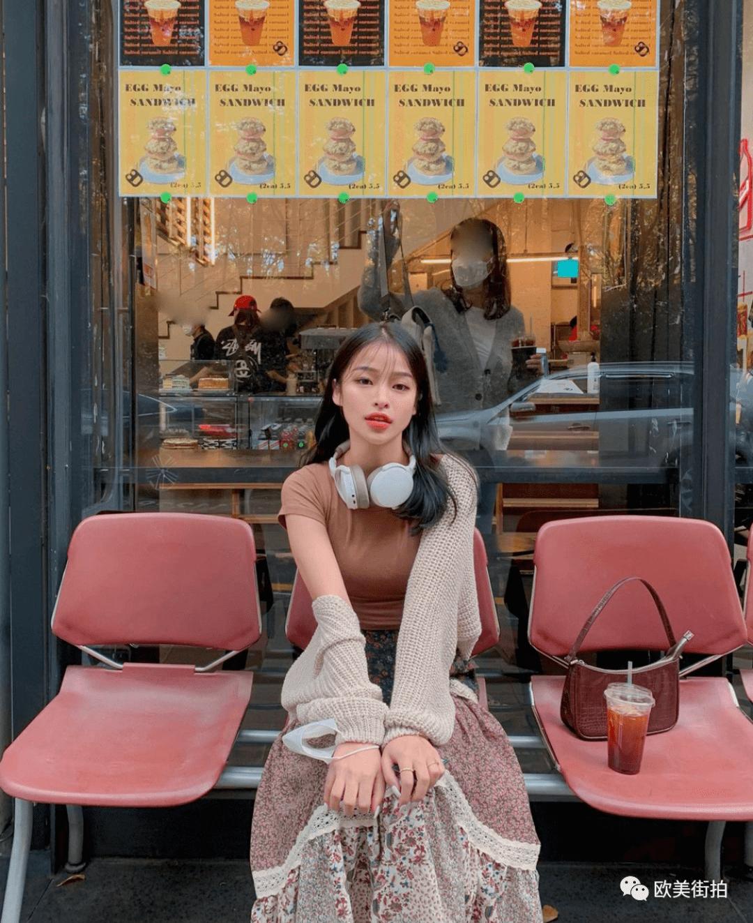 11 gợi ý lên đồ màu mè họa tiết cực xinh từ gái Hàn để bạn áp dụng  - Ảnh 1.