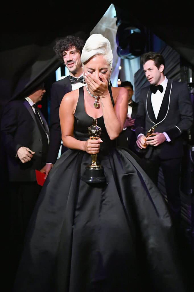 Lady Gaga và cuộc đời quá nhiều cay đắng: Bị xâm hại, sỉ nhục cả thế xác lẫn tân hồn - Ảnh 9.