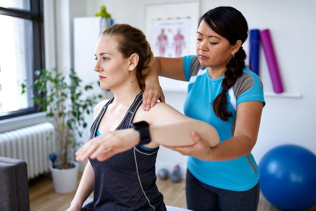 Chuyên gia hướng dẫn cách duy trì xương khớp chắc khỏe và ngăn ngừa bệnh tật khi cơ thể bắt đầu lão hóa - Ảnh 4.