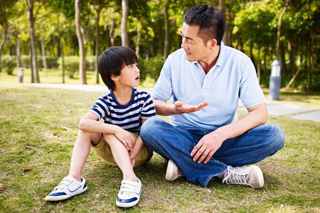 Không phải chuyện ép ăn hay ép học, đây mới là 4 điều bố mẹ tuyệt đối không được ép trẻ làm trước 8 tuổi nếu không muốn trả giá về sau - Ảnh 4.
