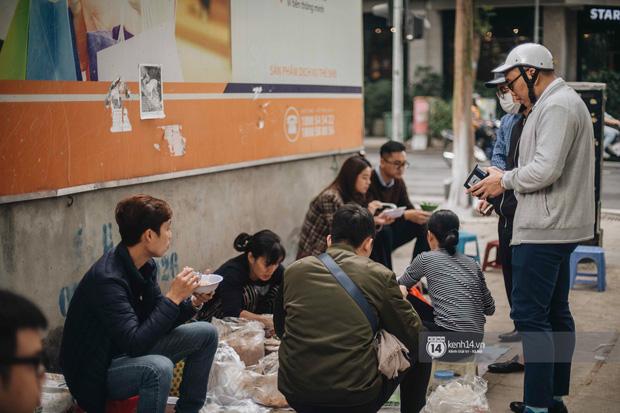 Truy lùng hàng xôi xéo hot nhất nhì Hà Nội, lên cả truyền hình Hàn Quốc vì cách gói xôi gây hoa mắt - Ảnh 8.