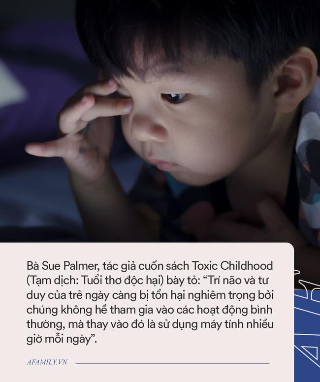 Từ học sinh giỏi cấp quốc gia, nữ sinh Nam Định bị tâm thần vì xem Youtube cả ngày: Thường xuyên lẩm bẩm một mình rồi đập phá đồ đạc - Ảnh 4.