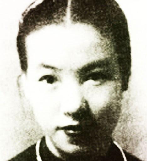 Hoa hậu đầu tiên Sài Gòn xưa: 18 tuổi đã 3 đời chồng, đại gia đốt tiền để chinh phục - Ảnh 1.
